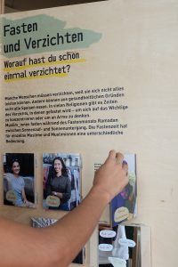 muslimisch-in-ostdeutschland-ausstellungstafel-11